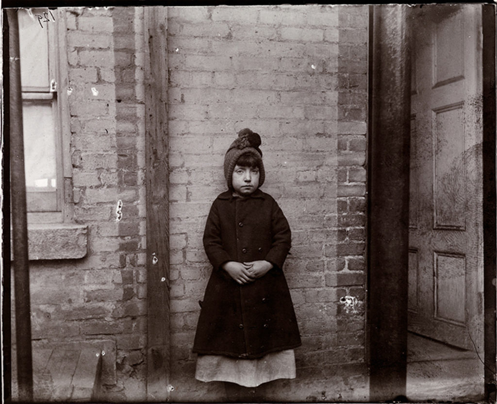 """I Scrubs,"" Little Katie, 1891-92, Jacob A. Riis Collection, Museum of the City of New York (90.13.4.132)"